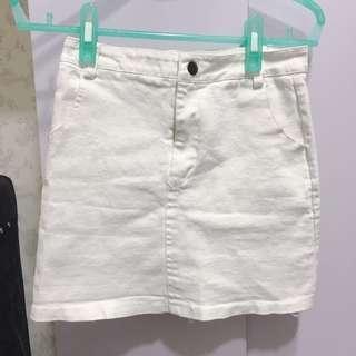 🚚 白色牛仔短裙