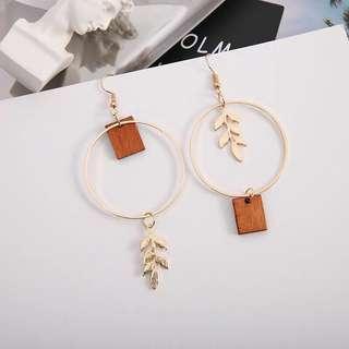 🚚 Korean leaf earrings
