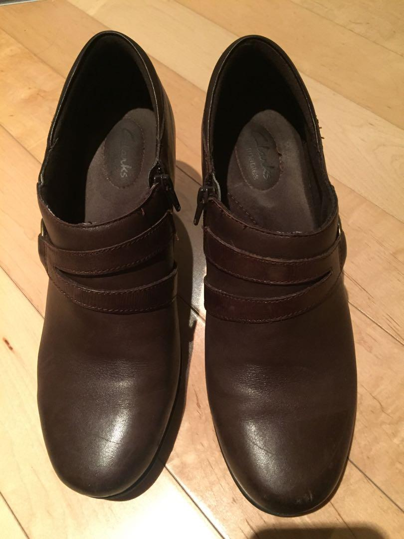 Clark's Brown Boots Size 9