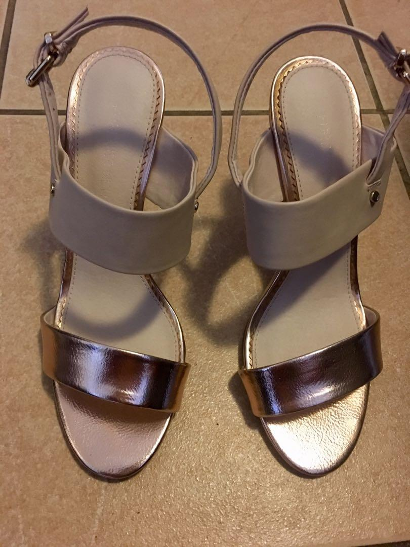 Forever New Dahlia rose gold wedge heels size 8 RRP $79.95