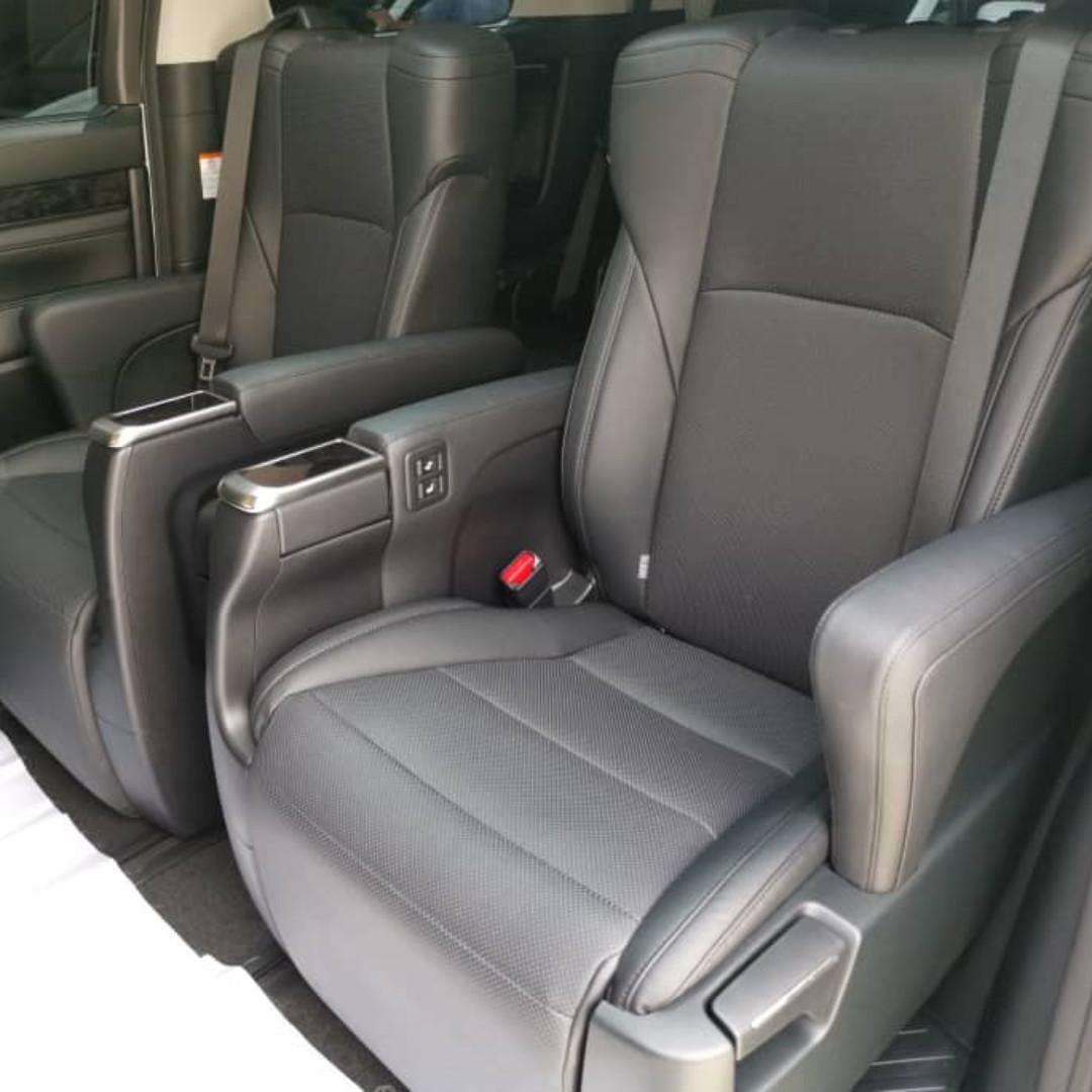 Latest Model New Recond Toyota Vellfire 2.5 ZG Sunroof Moonroof Alphard