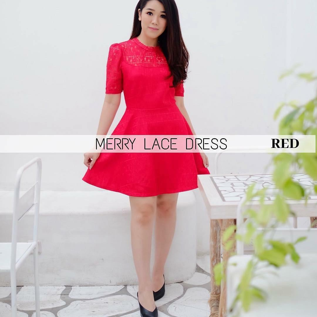 MERRY LACE DRESS