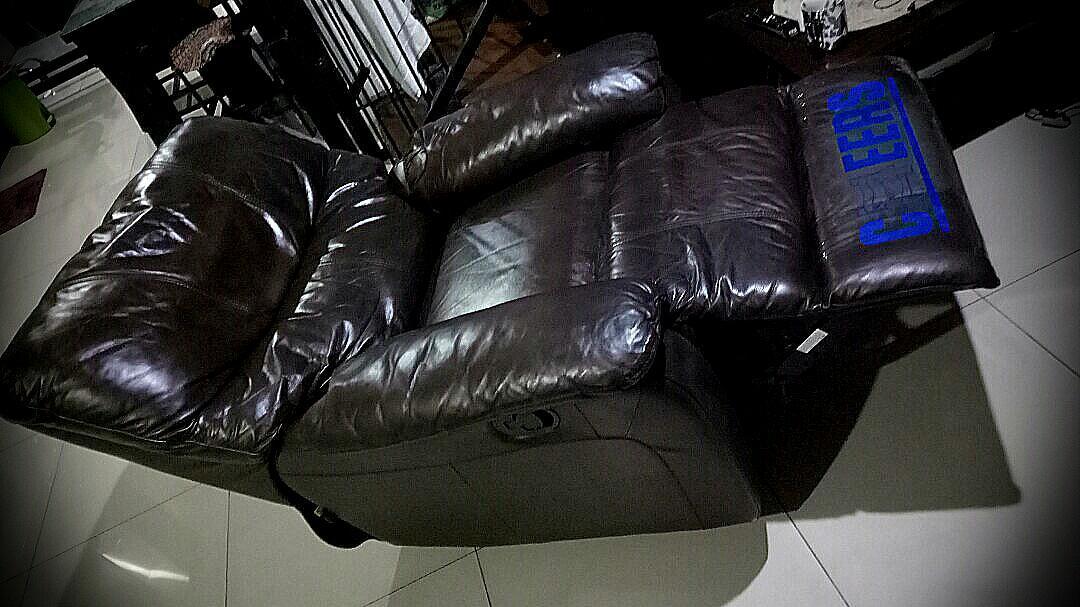 Single Leather Cheers sofa