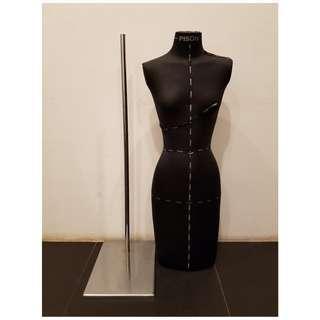 Manekin tinggi wanita PISON hitam high quality dengan kaki besi