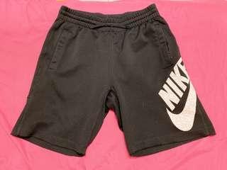 Nike 休閒短褲