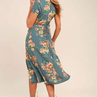 **PRICE DROP** Lulu's floral Midi Dress - Size Medium