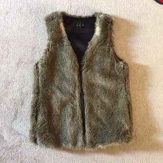 *PRICE DROP* Aritzia Talula fur vest