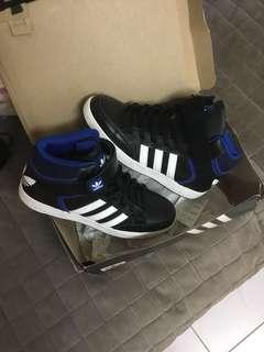Brand New Adidas Varial Mid Size 9
