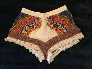 Boho high-waisted shorts (M)