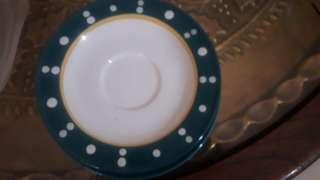 Piring kue / lepek hijau putih