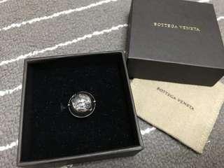 🚚 全新正品 BOTTEGA VENETA BV 編織 圓型刻紋 純銀 戒指 13號...盒裝..免運費