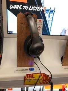 JBL Noise Canceling Headphone