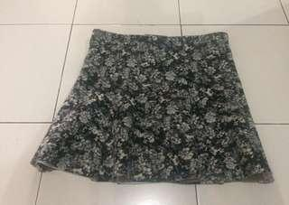 Flower mini skirt pull n bear