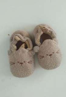 Prewalker (sepatu bayi beruang)