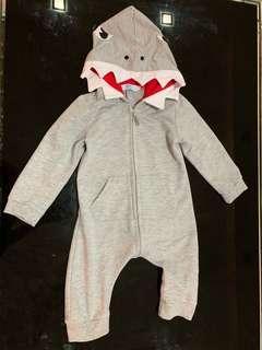 🚚 Shark costume