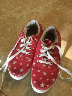Red Sneakers Reprice✨