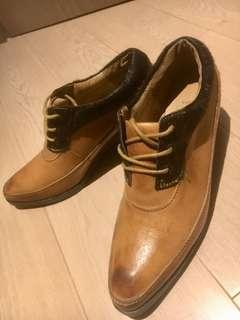 Initial Leather Shoes 女裝皮鞋 (99% New)