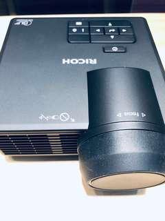 Ricoh 短投影機
