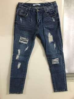 🚚 藍色拼接刷破牛仔褲