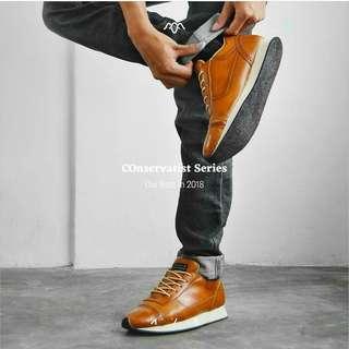Sepatu Casual Sneakers Pria