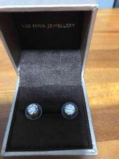 🚚 Swarovski Crystal Earrings