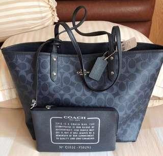 Fast Deal $100 Brand New Authentic Coach Reversible Tote Bag