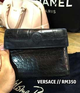 Womens purse (versace)