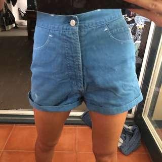 Vintage women's baggy denim shorts