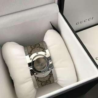 GUCCI Twirl Sign Brown