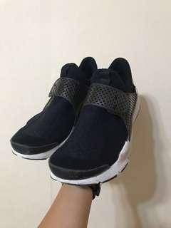🚚 Nike sockdart 黑