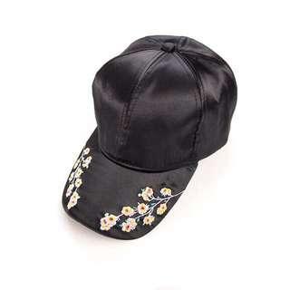 🚚 (現貨出清)年輕款 梅花 刺繡 棒球帽 鴨舌帽 遮陽帽 女款 黑色