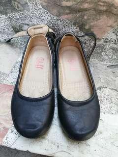 S&h black shoes