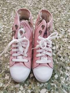 🚚 Pink Wedge Sneakers