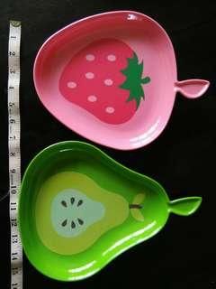 "NEW ""Fruit Tree"" strawberry & pear plastic plate"