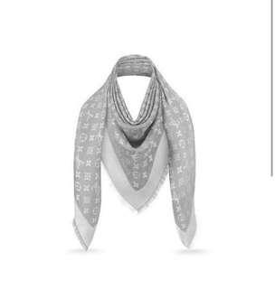 LV scarf  M70804