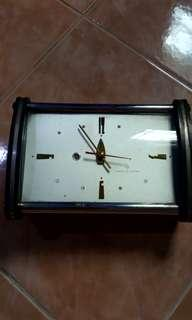 Antique clock (not using any battery at all)