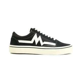 Sepatu Sneakers Pria Casual Classic Black