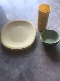 Tupperware plates glass and bowl - 4 set