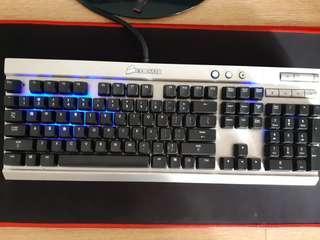 🚚 Corsair Vengeance K70 Gaming Keyboard