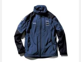收 warm up jacket