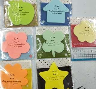 Assorted shapes sticky notepad