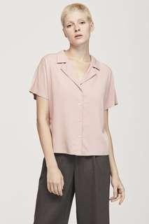 🚚 CLEARING BLUSH PINK BUTTON V SHIRT TOP