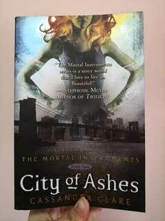City of Ashes (The Mortal Instruments) by Cassandra Clare