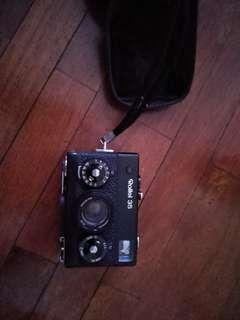 🚚 Vintage Rollei 35 camera smallest 35mm camera in market - made in Singapore