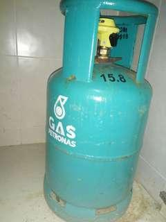 Petronas cylinder with regulator and hose
