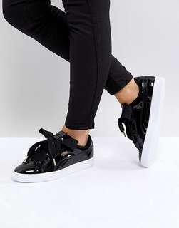puma basket heart trainers ( patent black )