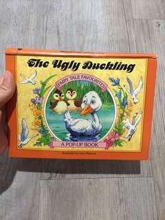 Buku cerita anak timbul ugly duck