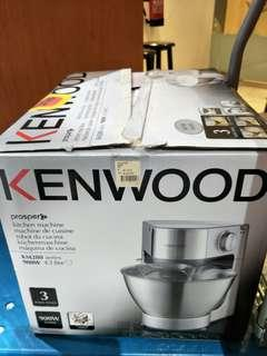 Kenwood Cake mixer, very good conditions, 900watts, 4.3 litres, KM280 series