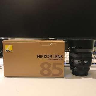 Nikon Nikkor AF Nikkor 85mm f/1.8D Lens