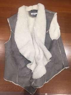 Valleygirl vest with fur